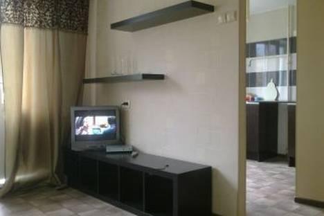 Сдается 1-комнатная квартира посуточно в Нижнем Тагиле, ул. Газетная, 23.