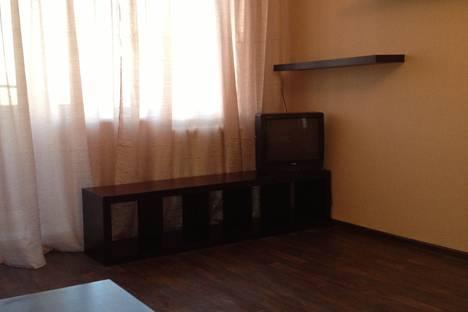 Сдается 1-комнатная квартира посуточно в Нижнем Тагиле, Коминтерна 52.