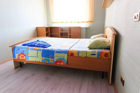 Сдается 2-комнатная квартира посуточно в Сыктывкаре, ул. Ленина, 32.