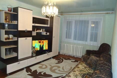 Сдается 2-комнатная квартира посуточно в Сыктывкаре, ул. Коммунистическая, 86.