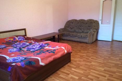 Сдается 1-комнатная квартира посуточнов Чебаркуле, ул. Богдана Хмельницкого, 60.