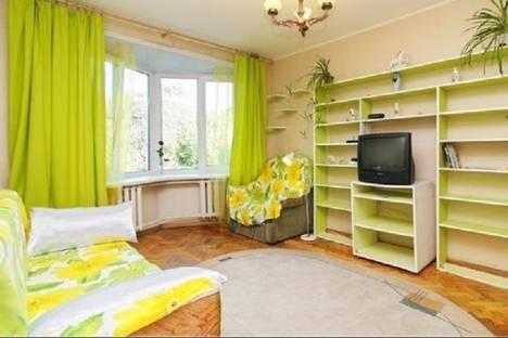 Сдается 1-комнатная квартира посуточнов Санкт-Петербурге, ул. Беринга, 22.