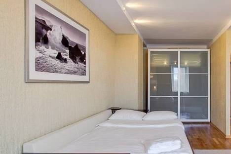 Сдается 1-комнатная квартира посуточнов Санкт-Петербурге, проспект Малый В.О. 77.