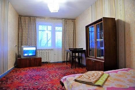 Сдается 2-комнатная квартира посуточно в Кстове, ул. Жуковского, 10.