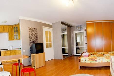 Сдается 1-комнатная квартира посуточнов Омске, Серова 22.