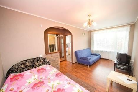 Сдается 1-комнатная квартира посуточно в Нижнем Тагиле, проспект Ленина, 71А.