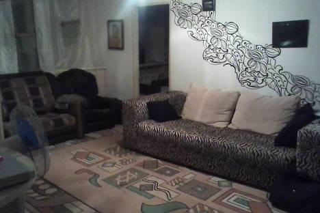 Сдается 2-комнатная квартира посуточно в Яровом, 40 Лет Октября 2.