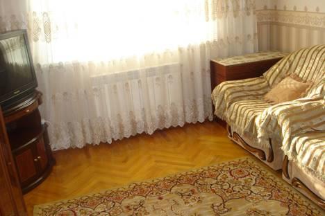 Сдается 2-комнатная квартира посуточно в Ейске, ул.Ленина, 108.