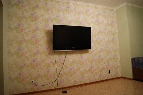 Сдается 2-комнатная квартира посуточно в Ханты-Мансийске, ул. Дзержинского, 39.