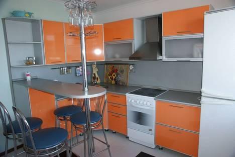 Сдается 2-комнатная квартира посуточнов Тюмени, Черниговская, 5.