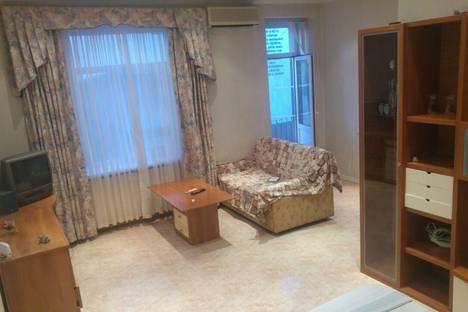 Сдается 1-комнатная квартира посуточнов Волгограде, ул. им маршала Чуйкова, 45.