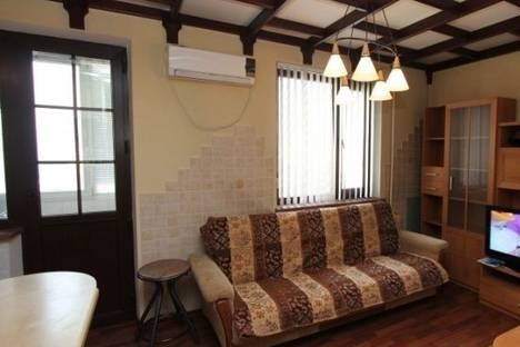 Сдается 3-комнатная квартира посуточно в Алматы, Самал 2 микрорайон, д. 77.