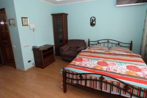 Сдается 1-комнатная квартира посуточно в Алматы, Самал 2 микрорайон, д. 85.