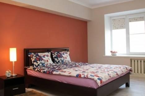 Сдается 1-комнатная квартира посуточно в Алматы, Маметовой улица, д. 22.