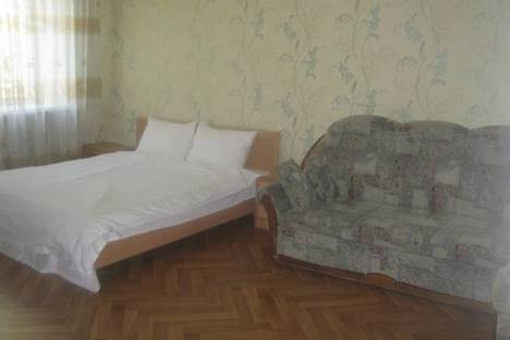 Сдается 1-комнатная квартира посуточно в Караганде, Абдирова проспект, д. 44.