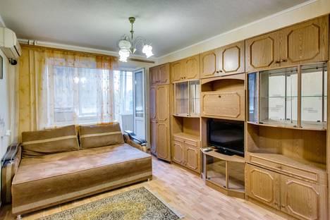 Сдается 1-комнатная квартира посуточно в Ростове-на-Дону, ул. 339 Стрелковой Дивизии, д.29.