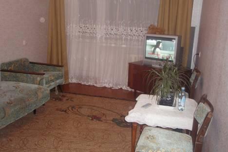 Сдается 2-комнатная квартира посуточно в Уральске, ихсанова, 73.