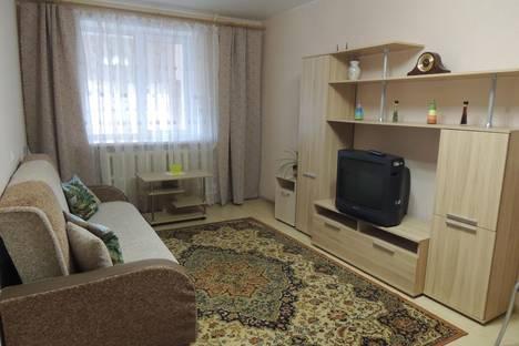 Сдается 1-комнатная квартира посуточново Владимире, ул. Нижняя Дуброва,  17.