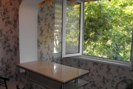 Сдается 2-комнатная квартира посуточно в Ялте, Московская, 23.