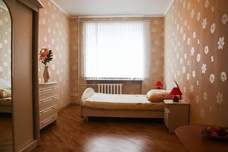 Сдается 2-комнатная квартира посуточнов Екатеринбурге, ул. Воеводина, 4.