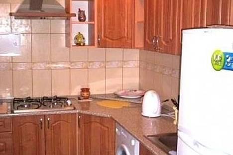 Сдается 3-комнатная квартира посуточнов Екатеринбурге, ул. Сакко и Ванцетти, 48.