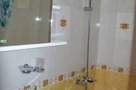Сдается 2-комнатная квартира посуточно в Петрозаводске, ул. Станционная, 30.