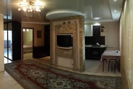 Сдается 3-комнатная квартира посуточно в Бузулуке, 3 микрорайон, 8.