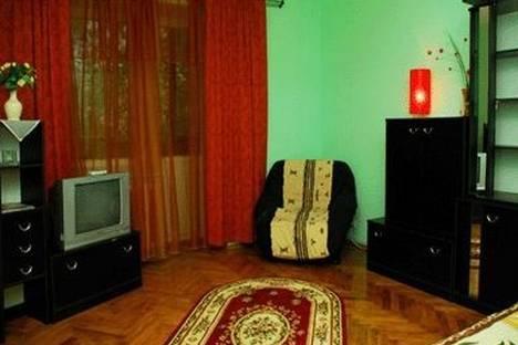 Сдается 1-комнатная квартира посуточно в Киеве, ул. Шелковичная 46.