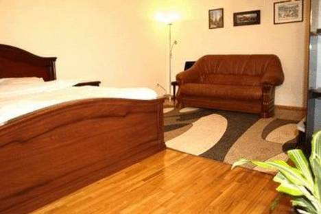 Сдается 1-комнатная квартира посуточно в Киеве, ул. Горького 47.