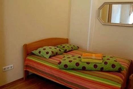 Сдается 1-комнатная квартира посуточно в Киеве, ул. Богдана Хмельницкого 50.