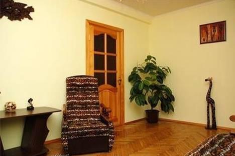 Сдается 2-комнатная квартира посуточно в Киеве, Леси Украинки 5.