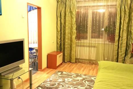 Сдается 2-комнатная квартира посуточно, Сахалинская 3.