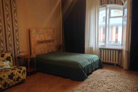 Сдается 1-комнатная квартира посуточнов Санкт-Петербурге, ул. Гончарная, д. 15а.