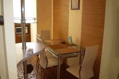 Сдается 2-комнатная квартира посуточно в Киеве, ул. Саксаганского 121.