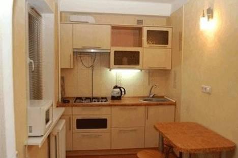 Сдается 2-комнатная квартира посуточно в Киеве, ул. Дегтяревская 23.