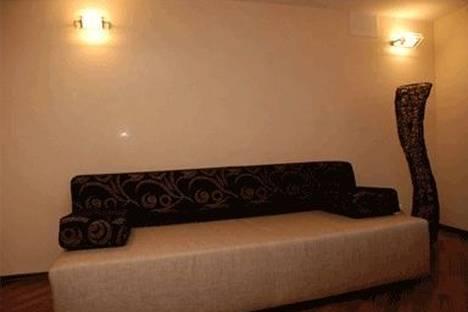 Сдается 2-комнатная квартира посуточно в Киеве, ул. Рогнединская 1/13.