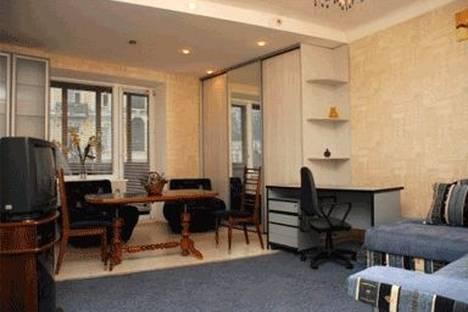 Сдается 2-комнатная квартира посуточно в Киеве, ул. Бассейная 10.