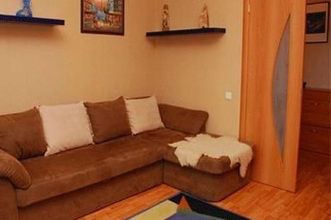 Сдается 2-комнатная квартира посуточно, ул. Бассейная 17.