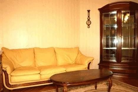 Сдается 2-комнатная квартира посуточно в Киеве, ул. Владимирская 45.