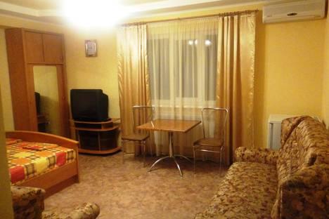 Сдается 1-комнатная квартира посуточно в Феодосии, ул. Вересаева, 22.