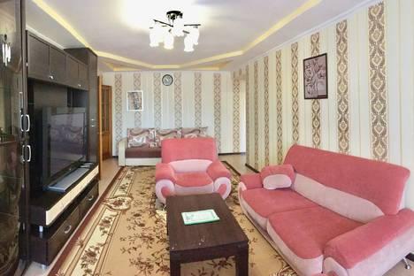 Сдается 3-комнатная квартира посуточно, ул.Ромашина, 32.