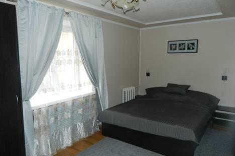 Сдается 2-комнатная квартира посуточно в Новочеркасске, ул. Бакунина, 91 б.