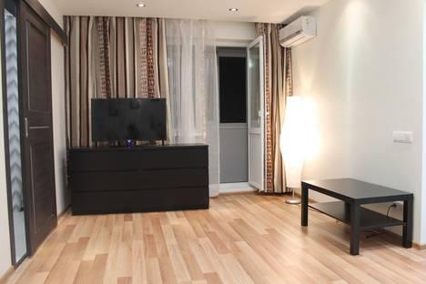 Сдается 2-комнатная квартира посуточнов Новокуйбышевске, Авроры 193.