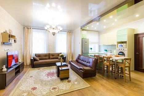 Сдается 2-комнатная квартира посуточно в Минске, проспект Независимости, 43.