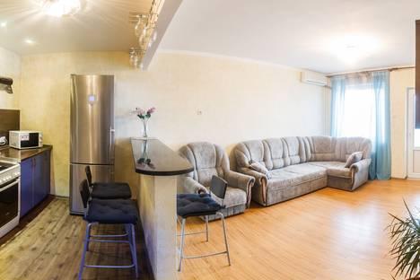 Сдается 2-комнатная квартира посуточнов Казани, проспект Фатыха Амирхана, 23.