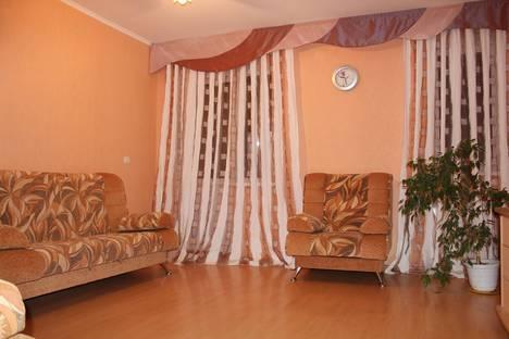 Сдается 2-комнатная квартира посуточнов Ханты-Мансийске, ул. Студенческая, 14.