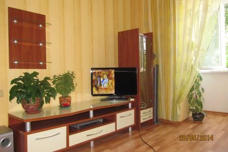 Сдается 2-комнатная квартира посуточно в Ильичёвске, ул. Шевченко,9а.