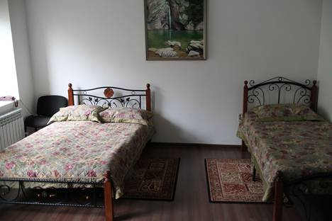 Сдается 2-комнатная квартира посуточно в Пятигорске, ул. Крайнего, 69.