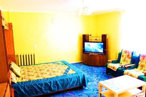 Сдается 1-комнатная квартира посуточнов Октябрьском, 24 микрорайон, д. 8.
