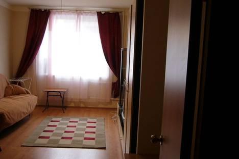 Сдается 1-комнатная квартира посуточнов Санкт-Петербурге, ул. Орджоникидзе, 59, корп 2..